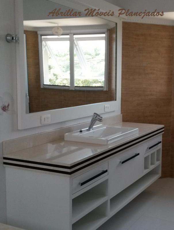 Banheiros e Área de Serviço